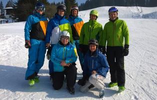 Gruppenbild Teilnehmer NaturFreunde-Skischulleiterschulung im März 2015.